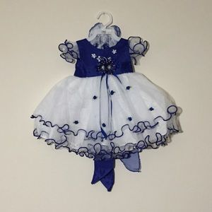 Other - Blue Dress with Bonnet